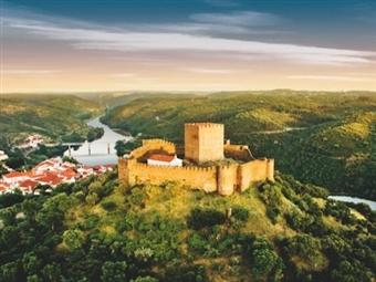 Alamal River Clube: 1 ou 2 Noites no Alentejo com Jantar e Visita ao Castelo de Belver desde 38€. Descanso, lazer e tranquilidade em Portugal!