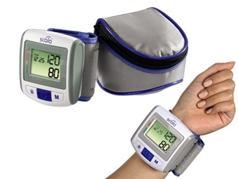 Medidor de Tensão Arterial de Pulso com Bolsa de Transporte e Pilhas por 22€. PORTES INCLUIDOS.