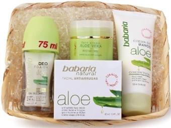 Cesta Aloe Vera da BABARIA com Creme Facial Anti-Rugas, Creme Nutritivo de Mãos e Desodorizante Roll-on por 13€. ENVIO IMEDIATO e PORTES INCLUIDOS.