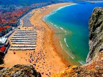 Hotel Maré: 1 ou 2 Noites na Nazaré com oferta de Miminhos de Portugal desde 25€. Escapada a Dois ... a menos de 100 metros da Praia!