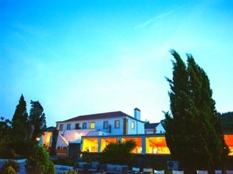 Quinta dos Machados Country House & SPA: 1 a 5 Noites de Romance em Mafra, a um passo da Ericeira, com SPA & Massagem desde 34,50€. Cenário Encantado!