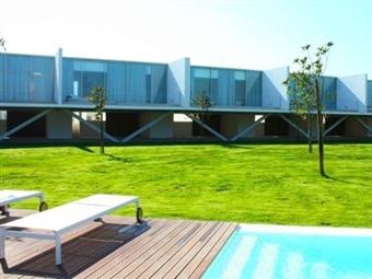 Bom Sucesso Resort 5*: 1 Noite com Pequeno-almoço para 2, 4 ou 6 Pessoas próximo de Óbidos desde 89,90€. Descubra este paraíso!
