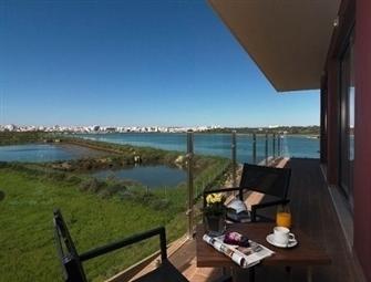 Água Hotel Riverside 4*: Estadia no Algarve com Pequeno-almoço e acesso ao SPA, desde 20€. CRIANÇA GRÁTIS.