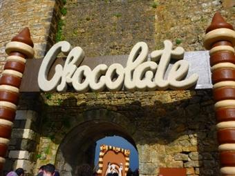 FESTIVAL DO CHOCOLATE em ÓBIDOS & Vale Paraíso Natur Park na Nazaré: 1 ou 2 Noites em Chalet para 2 Pessoas e 1 Dia na Feira desde 69€. IMPERDÍVEL!