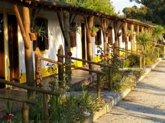 Visita ao Jardim Buddha Eden & 1 Noite no Hotel Rural A Coutada em Peniche por 24,95€. Ambiente Rural e Tranquilo!