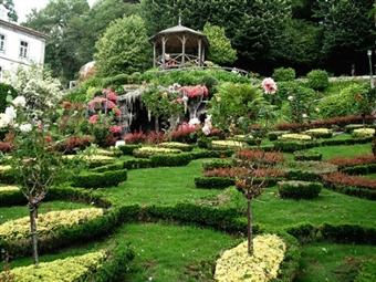 Villa Garden Braga 4*: 1 ou 2 Noites de Charme com Pequeno-almoço e Jantar em Braga desde 29,50€. Venha relaxar num edifício do século XIX!