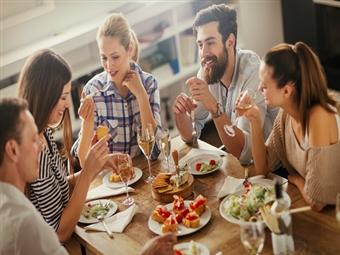 Jantar de Grupo e Noite Memorável por 12.90€ na Tendinha em Matosinhos. Reserve já o próximo jantar de grupo.