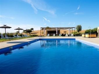 Hotel Rural Santo António: 1 ou 2 Noites no ALTO ALENTEJO com Meia Pensão desde 26.5€. Aproveite os recantos e encantos e divirta-se em família.