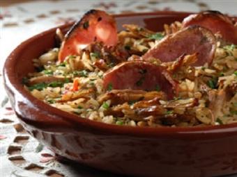 Deliciosa Oportunidade! Arroz de Enchidos, Bacalhau com Natas, Carne Fatiada ou Massa Vegetariana por 19.90€ na Tendinha em Matosinhos.