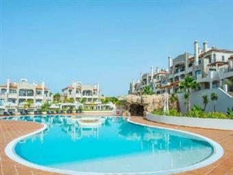 VILAMOURA no VERÃO: 2, 3, 5 e 7 Noites em Apartamentos Turísticos Pine Hill T2 e T3 até 6 pessoas desde 220€. Junto à Praia da Falésia e Marina!