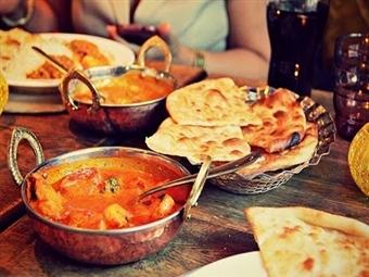 Nepalês ou Indiano: Entrada, Prato, Sobremesa, Bebida e Café para 2 Pessoas no Restaurante