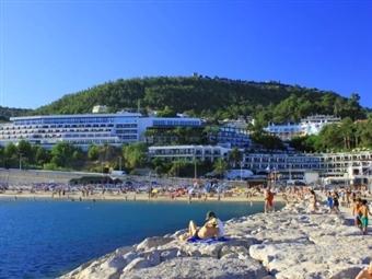 JUNHO em SESIMBRA no Hotel do Mar 4*: Até 6 Noites com Meia-Pensão. Acorde junto ao mar e relaxe desde 255€.