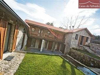 Casas do Telhado: 2 Noites de Charme e História perto do Porto com Jantar. Venha conhecer o local onde viveu o