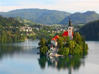 Eslovénia: Uma desconhecida pérola no coração da Europa. 8 Dias por 5 Cidades com Alojamento e Pequeno-Almoço, Voo de Lisboa e Porto e Carro por 898€