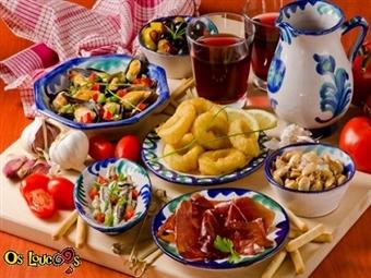 COSTA DA CAPARICA: Vários PETISCOS com SANGRIA para 2 Pessoas no Restaurante Os Loucos por 17€. Ideal para depois de um dia de praia!