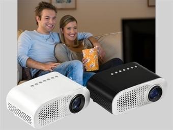 Projetor Portátil Led Super Leve com HDMI Duplo, USB, SD, VGA, RCA, IR e Comando por 119€. Cinema em Casa! PORTES INCLUIDOS.