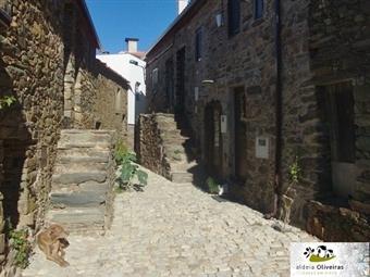 CASA DE XISTO: 1 ou 2 Noites numa Casa de Xisto em Aldeia Oliveiras com Pequeno-almoço e Licor Caseiro desde 24.50€. Reviva as tradições!