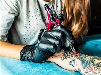 TATUAGEM à sua escolha a Cores ou a Preto por 29€ com Dimensão de 6 x 6 cm na Pontagrama em Lisboa. Tatua o Teu Corpo!