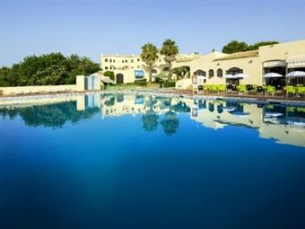 TUDO INCLUÍDO no LUNA CLUBE BRISAMAR: 3, 5 ou 7 Noites no Alvor num Apartamento T1 desde 155€. CRIANÇA GRÁTIS. Férias de Verão no Algarve!