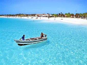 CABO VERDE - ILHA DO SAL: 7 Noites com TUDO INCLUÍDO, Voos de Lisboa, Hotel de 4* ou 5* e Transferes. Apaixone-se pelo mar azul turquesa desde 1104€.