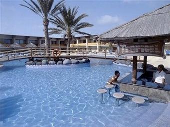 Réveillon na Ilha do Sal em Cabo Verde: 7 Noites em Hotel 4* ou 5* com Tudo Incluído e Voo Direto desde 1605€. Mergulhe de cabeça no NOVO ANO.