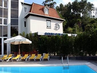 Douro Park Hotel & Spa 4*: 1 a 3 Noites, Pequeno-almoço, Welcome Drink, SPA, Piscina Exterior e Experiência Náutica em Resende desde 63€.