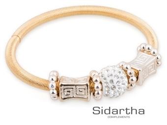 Pulseira CHARM da SIDARTHA em Dourado com 3 Pendentes por 12.90€. Uma bracelete flexível com enfeites e cheia de charme. PORTES INCLUÍDOS.