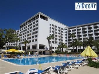Alfamar Beach & Sport Resort 4*: Alojamento com Pequeno Almoço em Albufeira por 24€.