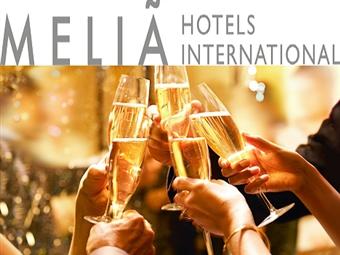 RÉVEILLON no Meliá Ria Hotel & Spa 4*: Até 4 Noites com Meia Pensão e Jantar de Gala desde 369€. Junte os amigos e Divirta-se em Aveiro.