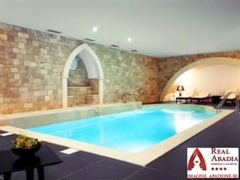 Real Abadia Congress & Spa Hotel 4*: Estadia em hotel de Charme com SPA, Piscina & Visita a Adega com Prova de Vinhos por 49€. Um brinde a dois.