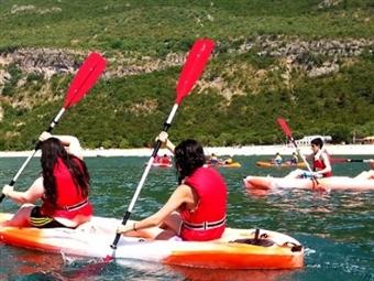 Canoagem em Sesimbra para 1 ou 2 pessoas desde 28€. Um momento único em águas cristalinas!