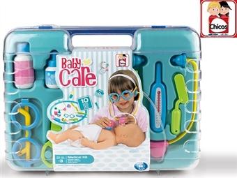 Mala de Médico BABY CARE por 18.90€. Inclui 10 utensílios para fazeres os teus diagnósticos e brincares aos médicos onde quiseres! PORTES INCLUÍDOS.