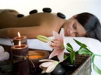 Massagem de Relaxamento com PEDRAS QUENTES no Vila Galé Cascais por 19.90 com o Spavenwe. Uma oferta especial a qualquer altura!