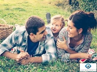 SESSÃO FOTOGRÁFICA para Pais, Filhos, Avós, Netos, Amigas, Casal... em Lisboa. Inclui 20 Fotografias Editadas e Poster 15x20 desde 24,90€.