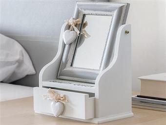 Caixa de Jóias de Madeira com Espelho e Gaveta Beauty Queen por 20€. PORTES INCLUÍDOS.