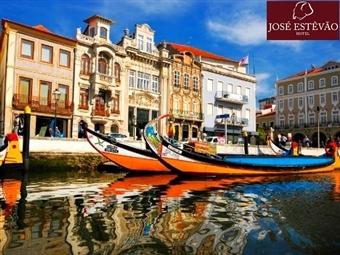 Hotel José Estêvão: 1 a 5 Noites no Centro histórico de Aveiro com Pequeno-Almoço, Passeio de Moliceiro e Visitas desde 36€. Conheça as Tradições.