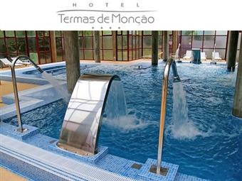 Hotel Bienstar Termas de Monção 4*: 2 Noites com Pequeno-Almoço, Jantar & Acesso ao Circuito Termal. Visitas & Prova de Vinho Alvarinho por 86€. Relax