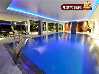 AQUASHOW PARK HOTEL 4* com 1 ou 2 Noites para 2 Pessoas no Algarve, Opção de Jantar, Piscina Interior, Jacuzzi, Ginásio e mais desde 59€. RESERVA ONLINE.