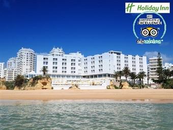 Hotel Holiday Inn Algarve 4*: Descubra o Carnaval em Armação de Pêra com 2 Noites, Espumante no Quarto, Jantar Especial com Bebida, Animação por 92€.