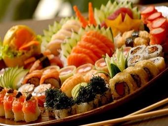 KOI SUSHI: Fantásticas 30 Peças Combinadas de Sushi e Sashimi, Sopa Miso e Hot Roll Especial para 2 Pessoas por 26.80€. Novíssimo Restaurante em Lisboa.