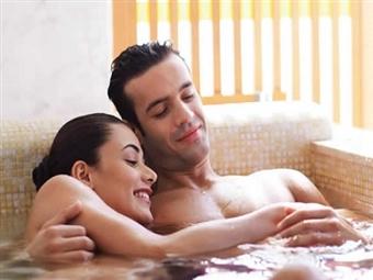 MOMENTO A DOIS: Circuito Águas, Massagem e Ritual do Chá no Vila Galé Palácio dos Arcos ou Évora desde 39€. Relaxe com quem Ama!