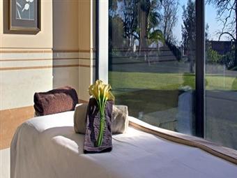 SPA EXPERIENCE: Circuito Águas, Massagem Personalizada e Tratamento de Rosto para 1 Pessoa no Vila Galé Palácio dos Arcos ou Évora desde 39.90€.