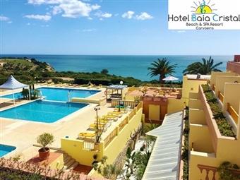 Baía Cristal Beach & Spa Resort 4*: Páscoa na Praia do Carvoeiro com 3 Noites, TUDO INCLUÍDO, Massagem e Acesso ao SPA por 240€. CRIANÇA GRÁTIS.