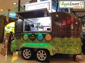 VEGGIE LOVERS TRUCK: Hambúrguer Vegan em Bolo do Caco, Acompanhamento e Bebida à Escolha para 2 Pessoas no Almada Forum desde 14.40€. Saudável e Saboroso!