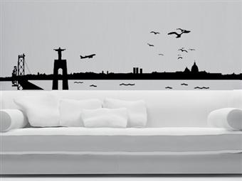 SKYLINE LISBOA em Vinil Autocolante Adesivo Decorativo de 158x40cm para Superfícies Lisas com 16 Cores à Escolha por 25€. PORTES INCLUÍDOS.