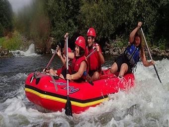 RAFTING para 1 ou 2 Pessoas desde 75€!! Aventure-se no Rio Guadiana com as sequências de rápidos e divertidos desníveis.