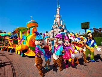 DISNEYLAND PARIS: 2 Noites com Pequeno-Almoço no Hotel Kyriad Disneyland Paris 3* e Entrada no Parque Disney por 209€. CRIANÇA GRÁTIS.
