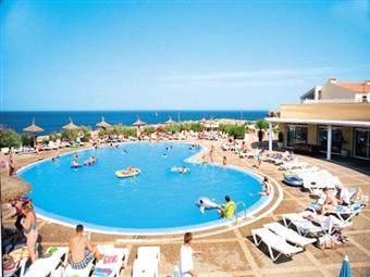 Férias  de Verão em MENORCA: 7 Noites com Voo de Lisboa, Hotel 3* ou 4*, Seguro e Transferes desde 410€.
