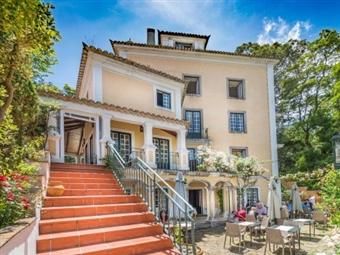 Lawrence's Hotel 5*: Estadia no coração da Romântica Vila Histórica de Sintra no Hotel d'Os Maias por 78€. Apaixone-se em Sintra.