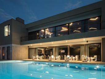 ESPECIAL 5 DE OUTUBRO: 2 Noites no Aqua Village Health Resort 5* em Oliveira do Hospital, com Pequeno-Almoço e Quick Massage por 229€.